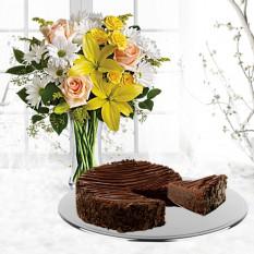 Margaridas e raios de sol com bolo de brownie enrobado com chocolate triplo