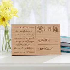 Enviando meu cartão postal de madeira do amor