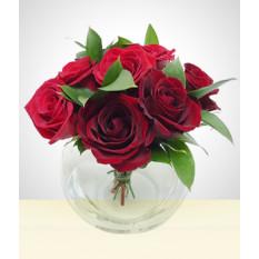 Momento doce: 8 rosas em uma pequena aquarela