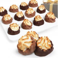 Macaroons mergulhados em chocolate belga